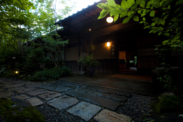 ゆふいん月燈庵玄関